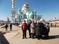 moskva-novospasskij-monastyr-palomniki-02