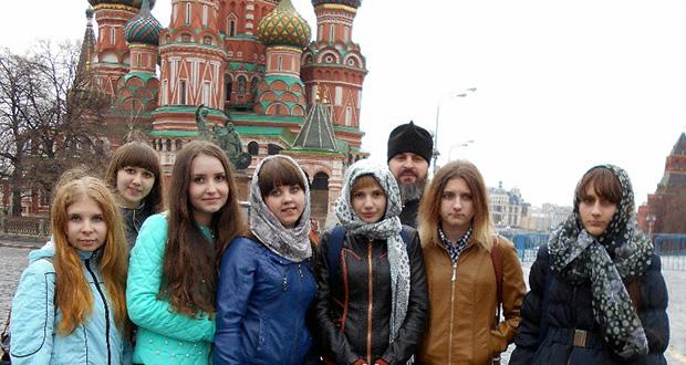 Экскурсия по Государственной Думе и паломничество по святыням Москвы группы учащихся-краеведов школы №1 c. Казаки