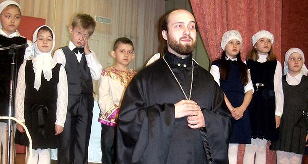 5 мая в лицее с. Долгоруково прошел праздничный концерт, посвященный Светлому Празднику Воскресения Христова.