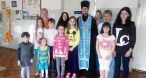 В праздник Светлого Христова Воскресения клирик Ново-Казанского собора Лебедяни посетил детское отделение Лебедянской Центральной районной больницы