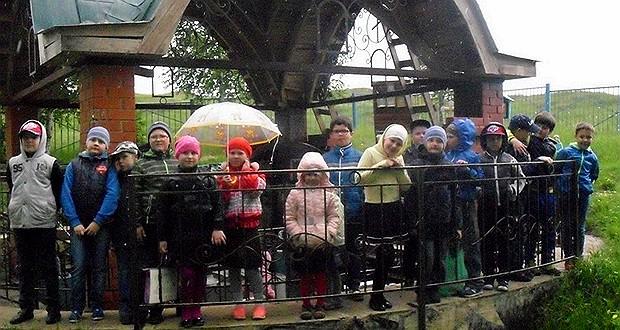 Поездка детей воскресной школы «Преображение» на святой источник в с. Дубовое