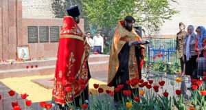 9 мая в 71-ю годовщину Победы в Великой Отечественной войне в г. Чаплыгине состоялось праздничное шествие из центра города к обелиску Победы, расположенного у Успенского храма.