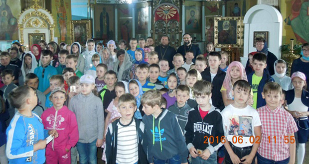 Учащиеся средней школы №1 г. Данкова побывали в Тихвинском соборе