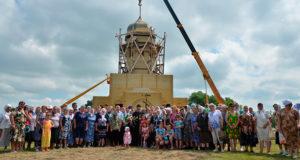 В селе Кривополянье освящены купол и крест