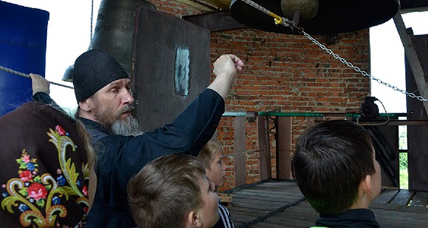 Паломническая поездка воскресной школы с. Волотово в Задонск