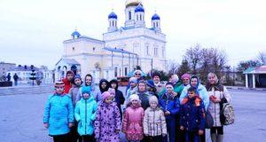 Учащие и учащиеся воскресных школ Лев-Толстовского благочиния совершили паломническую поездку в Елец
