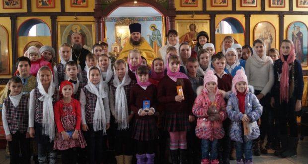 Совместное пение Литургии воскресными школами Становлянского благочиния