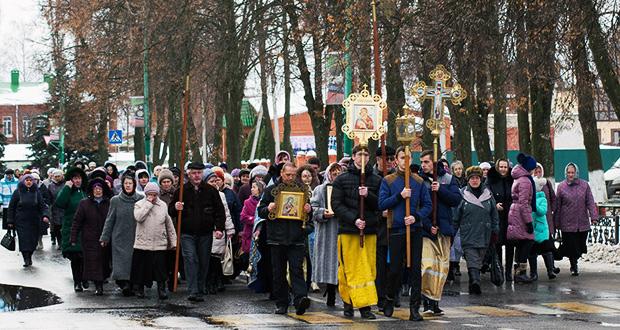 Крестный ход в день Казанской иконы в п. Лев Толстой