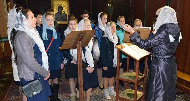 В Вознесенском соборе г. Ельца состоялась праздничная Литургия с участием хора Православной гимназии