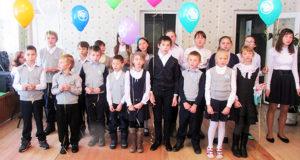 Дети из воскресной школы «Радуга» выступили с концертом в честь праздника, посвященного мамам