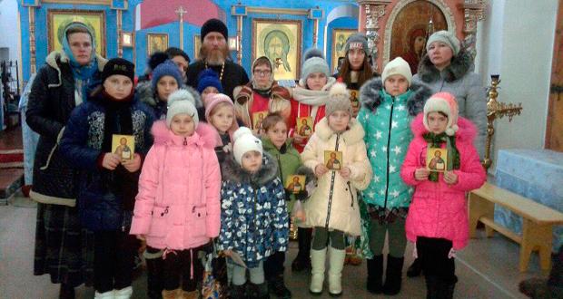 11 декабря делегация школьников совершила экскурсию по православным местам Елецкого района