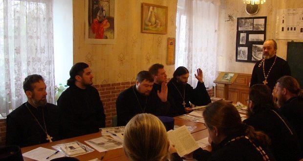 Собрание духовенства Липецкой и Елецкой епархий, ответственных за пастырскую работу с лицами, страдающими алкогольной и наркотической зависимостями