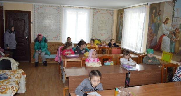 Окончание учебы в Михайло-Архангельском храме