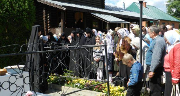В Елецком Знаменском монастыре почтили память затворницы Мелании