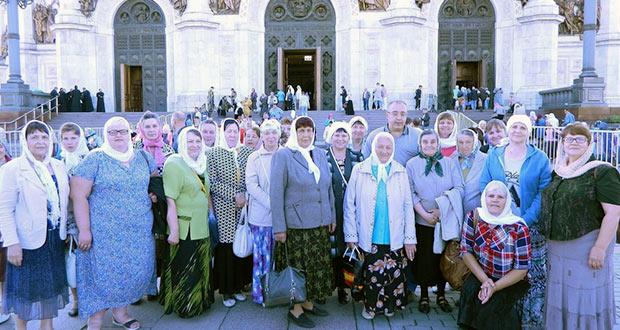 Лев-Толстовские паломники поклонились мощам