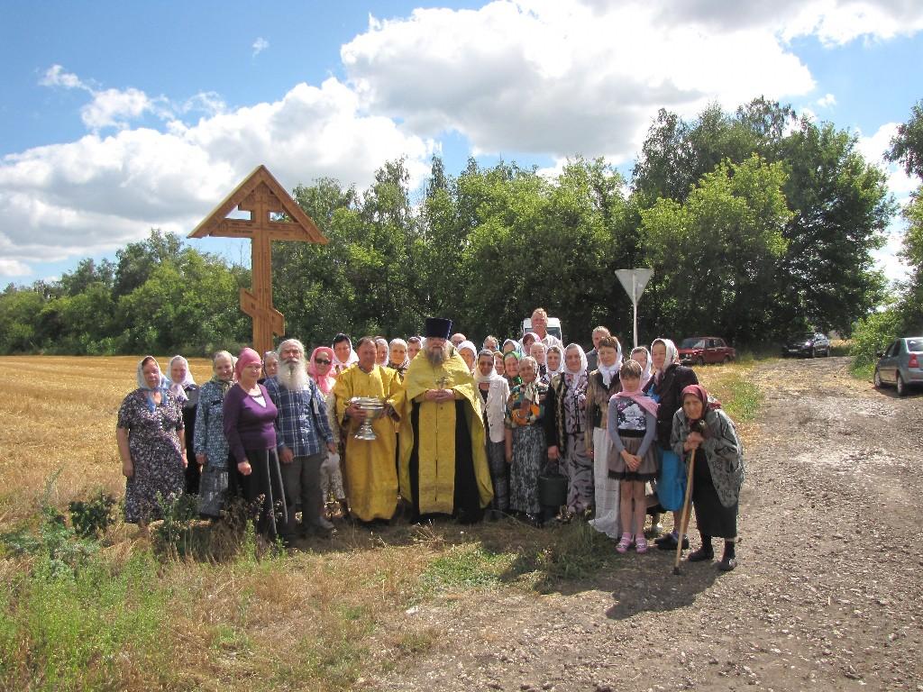 Освящение поклонного креста в с. Братовщина