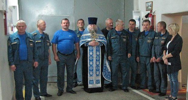 Священнослужитель встретился с отрядом спасателей