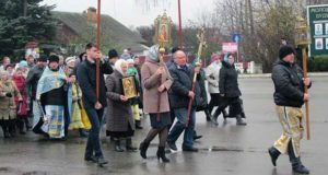 Крестный ход в день празднования Казанской иконы в п. Лев Толстой