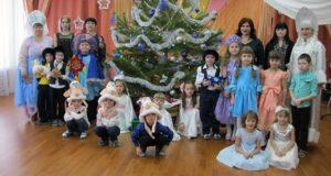 Дошколята Лебедяни празднуют Рождество Христово