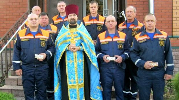 Покровский храм п. Агроном посетил личный состав МЧС