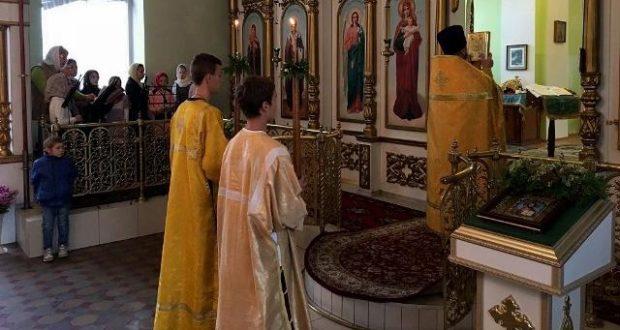 В Троицком храме состоялось совместное богослужение детей воскресных школ благочиния