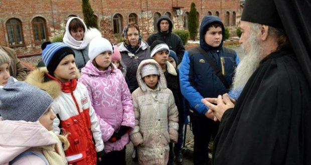 Паломническая поездка воскресной школы при храме Михаила Архангела с. Кривополянье