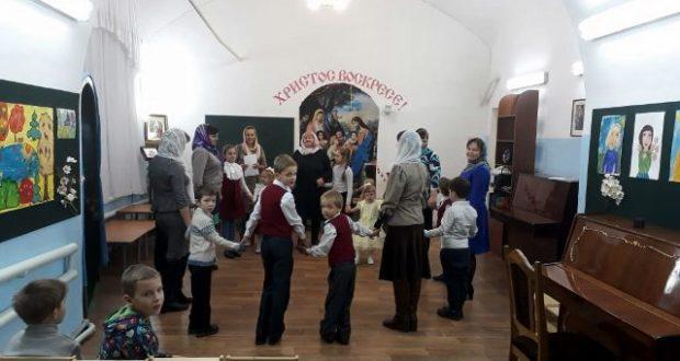 День матери отметили в воскресной школе Вознесенкого собора