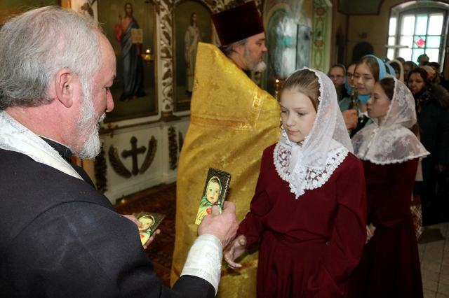 Божественная литургия в исполнении хоров воскресных школ Чаплыгинского благочиния