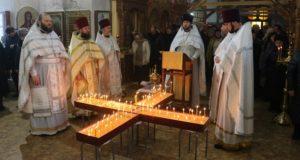 Соборное служба и акция «Свеча памяти – свеча надежды» в Никольском храме г. Чаплыгина