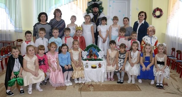 В д/с «Теремок» и «Светлячок» г.Чаплыгина прошли праздники в честь Рождества Христова