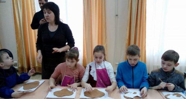 Творческие занятия в воскресной школе Вознесенского собора