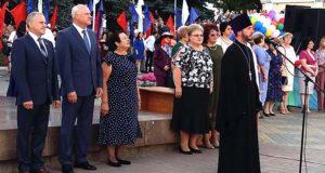 Клирик Елецкой епархии присутствовал на выпускном учеников елецких школ