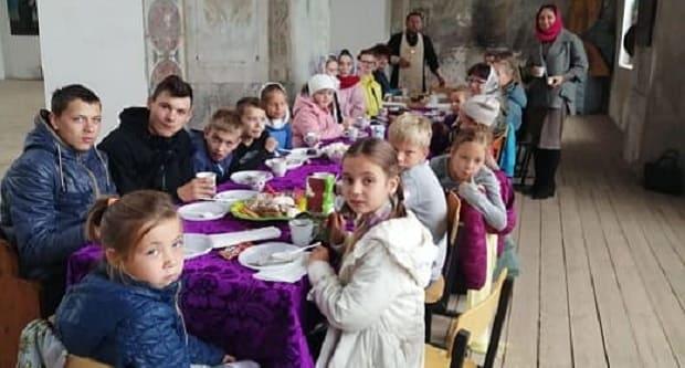 В Тихвинском соборе Данкова начался учебный год