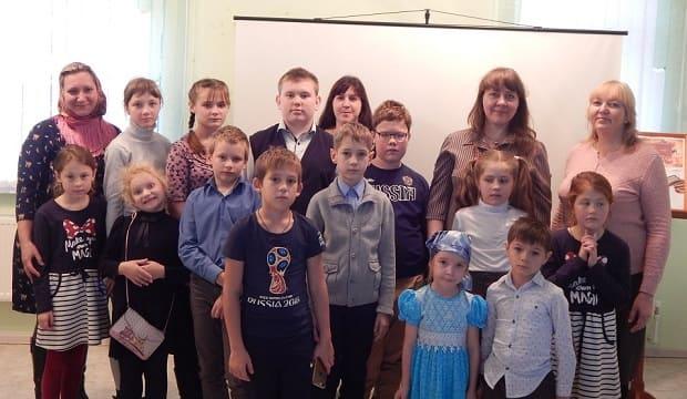 """В воскресной школе Знаменского монастыря прошел бинарный урок на тему: «Спасибо деду за Победу!"""""""