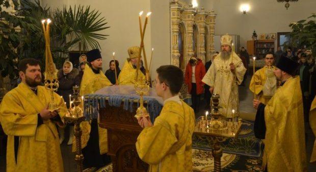 Епископ Максим посетил Владимирский храм села Красное