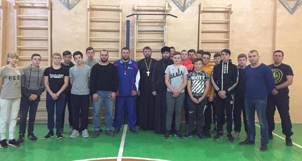 Беседа священника с молодежью о вере и спасении