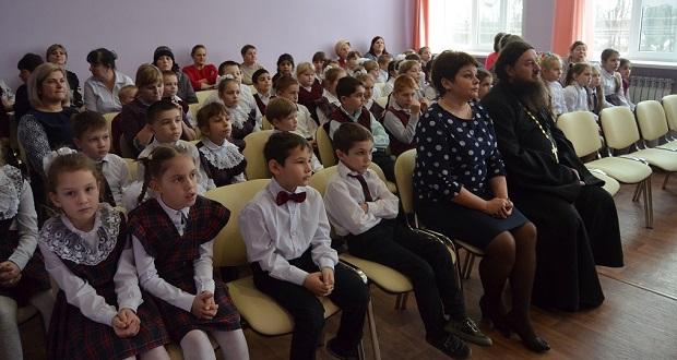 В Афанасьевской школе прошел Рождественский утренник