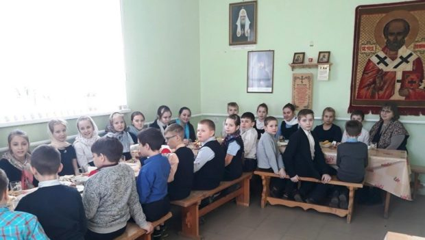 Учащиеся 4 «Б» класса СОШ №4 г. Чаплыгина пришли на экскурсию в Троицкий собор