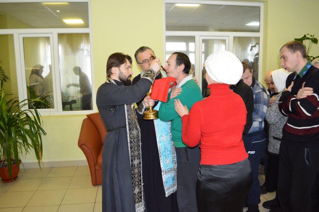 Священнослужители посетили Демкинский психоневрологический интернат