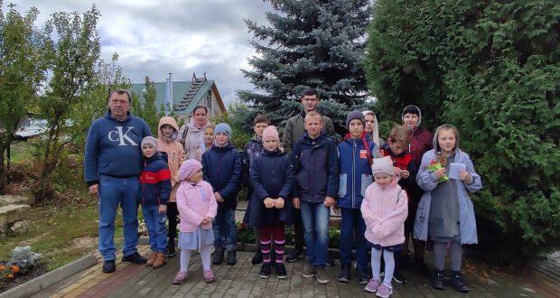 В воскресной школе Знаменского монастыря прошла игра-квест и проведен открытый урок «Жизнь и подвиг Силуана Афонского»