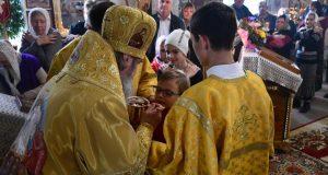Владыка Максим совершил Литургию в Никольском храме села Лавы